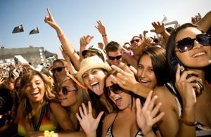Music-crowd_lo1