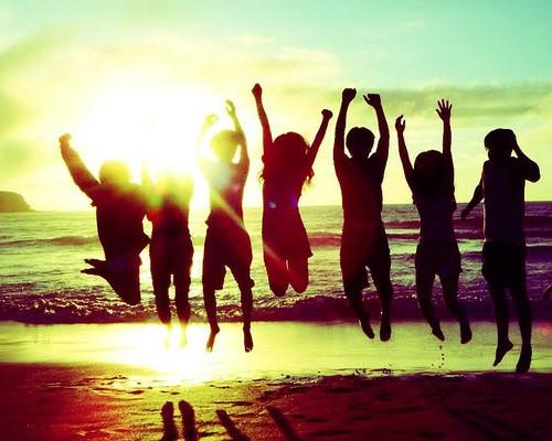 party-beach-boys-girls-sun-Favim.com-510295